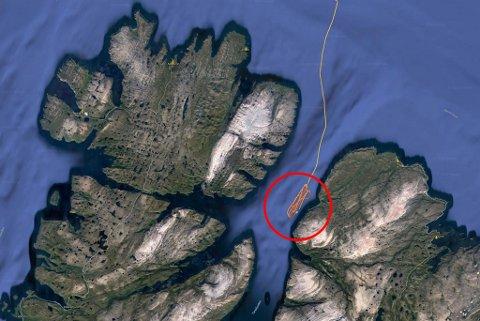 STORFINT BESØK: Nå russerne kommer inn i fjorden der det er militære interesser, blir folk gjerne nysgjerrige. Her ser man skipet «Kapitan Shebalkin» sitt kjøremønster onsdag morgen.