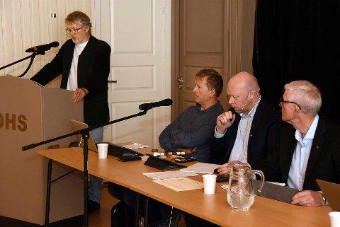 Kan ikke: - Jeg kan ikke stå her i kommunestyret og uttrykke mistillit til rådmannen i Hamarøy, sa John Gunnar Skogvoll, SV, i møtet i kommunestyret i Tysfjord.