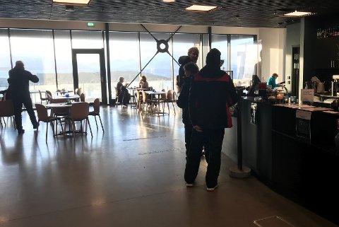 Opptur: På hverdagene er det mange bodøværinger som spiser lunsj på Vengen Skafferi. På søndagene må gjestene belage seg på ventetid på å få bord.