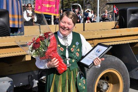 Leder for Furumoen, June Kaspersen, var stornøyd da hun og de ansatte ved livsgledehjemmet ble tildelt ildsjelprisen.