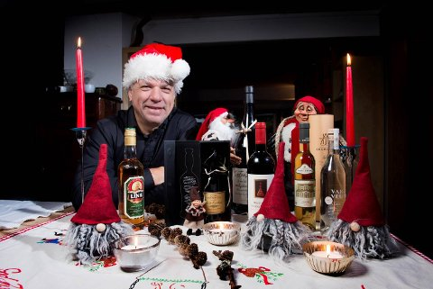 Rødvin i magnumflaske. portvin, dessertvin fra sør og nord, en flunkende ny akevitt fra Bergen og andre spennende flasker. Vi gir deg tips til fine gaver, samt godt i glasset til julens mat og hyggelige samvær.