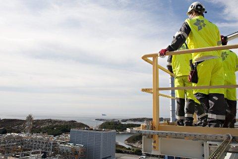 Statoil har per i dag rundt 22.000 ansatte fordelt i 38 land. Selskapet har iverksatt en kuttplan som går ut på å kvitte seg med 1500 ansatte og 500 innleide innen utgangen av 2016.