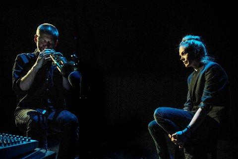 – Det har vært veldig gøy å samarbeide med mannen min, sier Ane Dahl Torp om musikeren Sjur Miljeteig.