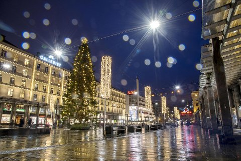 Bortsett fra julelysene er det lite som minner om jul i Bergen, men det kan være koselig likevel.