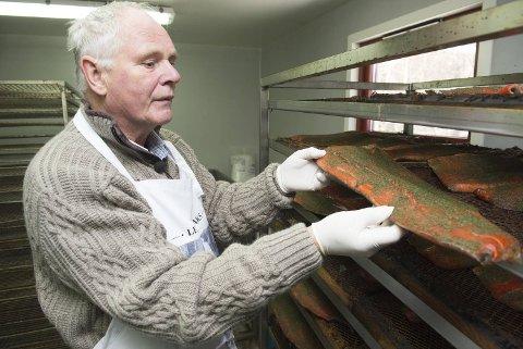 Halstein Leiren er oppvokst med laksefiske. I 2009 startet han sin egen lille bedrift med røyking og graving av laks og ørret. I januar gikk han til topps i Det Norske Måltid med sin gravet regnbueørret.