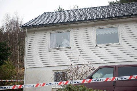I går ble en mann funnet av  død i Kvinnherad, og politiet har karakterisert saken som et mistenkelig dødsfall.