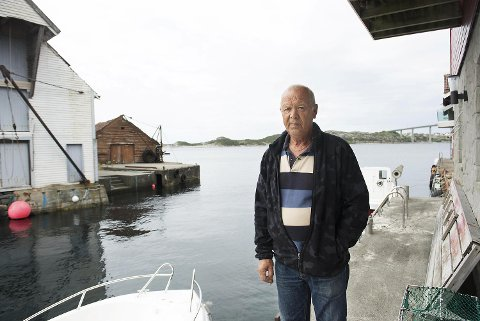 Normann Torsvik synes ikke at kommunesammenslåingen med Fjell og Sund er så negativt. - Mister vi inntektene fra eiendomskatten, er Øygarden bankerott. Utviklingen går mot mer sentralisering. Det er ikke noe nytt, mener 73-åringen fra Torsvik.
