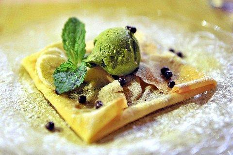 En deilig dessert blir enda bedre med noe skikkelig søtt og godt i glasset.