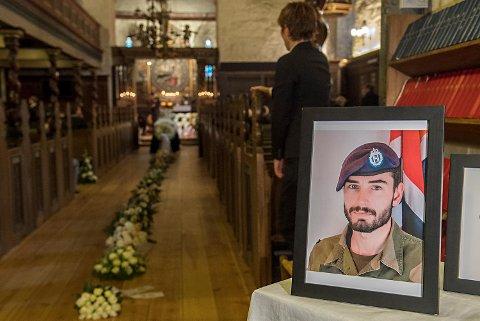 Sersjant Hågen Skattum som døde i en sprengningsulykke    på skytefelt på Skjold i Troms, blir fredag begravet fra Vangskyrkja på Voss. Foto: Marit Hommedal / NTB scanpix