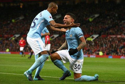 Nicolas Otamendi (t.h.) feirer med Fernandinho etter scoring mot Manchester United to runder tilbake. Sist knuste Manchester City Tottenham, så det spørs om Bournemouth gleder seg tiil kampen mot de llyseblå lørdag!