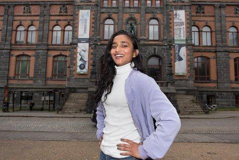 Mira Thiruchelvam ble tildelt Bergen kommunes talentpris torsdag.