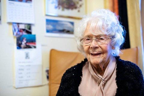 Johanne Marie Reimers Madsen bor på Øvsttunheimen sykehjem og fyller 108 år i dag. Hun er den eldste personen i Bergen.