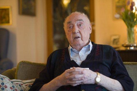Jakob Strandheim blir snart 98 år gammel og er det tiste tidsvitne i Shetlandsgjengen.