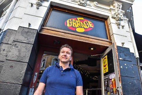 Henning Christensen er daglig leder ved Garage. Han er ikke enig med huseier om ubetalt husleie.