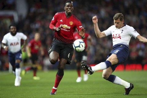 Manchester United og Paul Pogba (t.v.) har hatt en svak start på sesongen.y, Aug. 27, 2018. (Nick Potts/PA via AP)