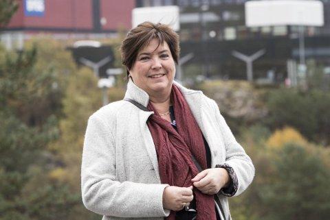Som noe av det siste hun gjør som ordfører i Fjell kommune, setter Marianne Bjorøy seg snart ned med Nest-Sotra for å kjøpe  anlegget deres på Skålevik tilbake til kommunen for seks millioner kroner.