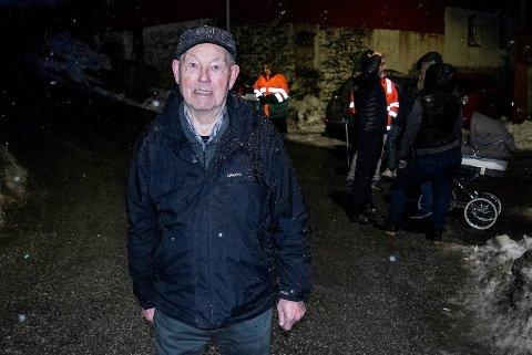 Som yrkesaktiv var Oddvar Teigland (86) bussjåfør. Han er så oppgitt over Bir at han vurderer å tilby seg å kjøre bossbilene opp den smale, bratte Sæterstølvegen selv.