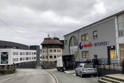 Drevelin-bygget i Møllendalsbakken skal rives fordi det skal bygges et nytt uttrekksspor til jernbanen.