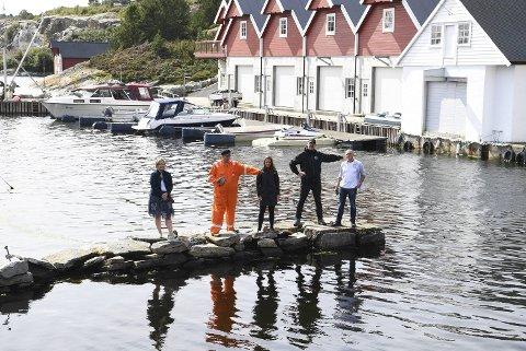 Sund-ordfører Kari-Anne Landro, Jan Vindenes, Synnøve Kvamme, Kenneth Bruvik og Rune Gaasø