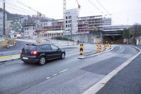 Bilistene som skal sørover skal nå kjøre til høyre, i det som tidligere var en busslomme.