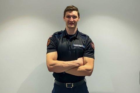 Eskil Rødseth (23) håper han klarer å kapre en av de 12 ledige jobbene som brannkonstabel i Bergen brannvesen. Han kjemper med over 350 andre søkere.