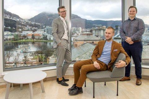 Glenn Takvam, Andreas Knutsson og Øystein Fanebust eier Mint Media gjennom Takvam Gruppen AS (49 prosent), Knutsson Group AS (20 prosent) og Fanebust Invest AS (31 prosent).