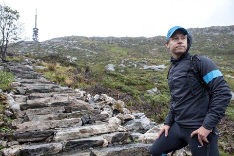Erik Kubon Halvorsen går arbeidsledig på tredje året. Den tidligere primus motoren for sykkel-VM har hatt god tid til å gå fjellturer. Bildet ble tatt i forbindelse med en BA-reportasje i 2018.