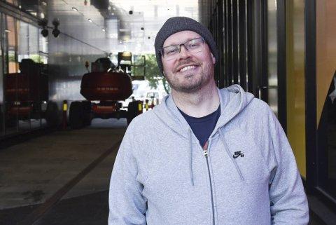 Christoffer Schjelderup foreslår at du kan hive deg på en koreansk kaffetrend eller at du kan lage en drage, for å nevne noe.