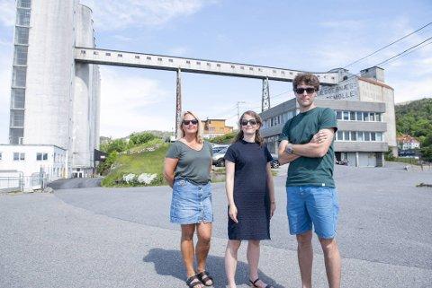 Elin Sebjørnsen (t.v.), Åsne Bruvik Lie og Pål Ringkjøb Nielsen er spent på hva boligprosjektet på Hegreneset vil bety for nærmiljøet, for Sandviken og for Bergen.