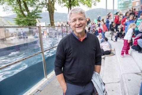 Styreleder Erik Bøckmann i Akvariet i Bergen er svært tilfreds med at de endelig kan få kompensert noe av tapet av billettinntekter.