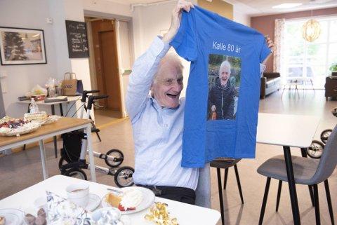 Bursdagsbarnet Carl Herman Pedersen var storfornøyd med gavene han fikk.