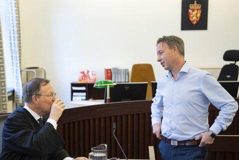 Advokat Morten Steenstrup og Knut Jørgen Hauge har tilbrakt svært mange timer sammen i retten de siste årene.