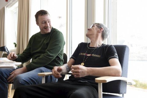 Thomas og Kenneth har ikke hatt det så bra på mange år som på Gatehospitalet. Begge skryter uhemmet av både de ansatte og behandlingen de har fått.