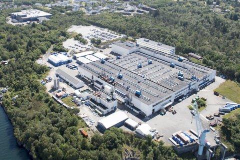 Salget av Bergen Engines har utløst betydelige kontroverser og krav om at salget må stanse av hensyn til nasjonal sikkerhet.