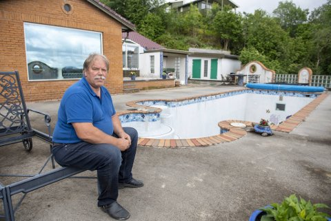 Bergen kommune har i flere år krevd at bassenget til Alf Eikevik må rives.