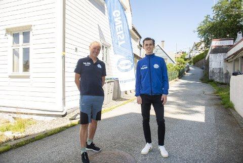Anders Bjørndal (til høyre) blir den første som flytter inn i Gneist IL sitt nye løpehus på Minde. Tom Roger Johansen (venstre) håper å få inn løpere som virkelig ønsker å satse i huset. – Dette føles som en enorm gave fra Gneist, sier Bjørndal.