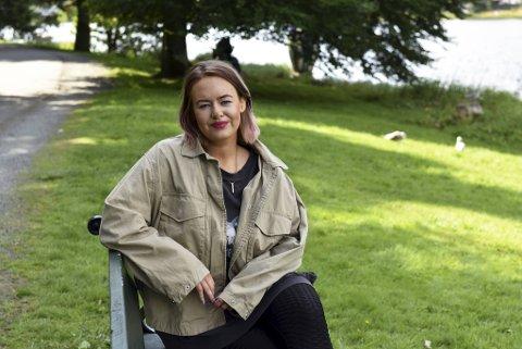 Johanne Engelund Tjøsvold (28) har jobbet lenge og målbevisst. Endelig har hun fått forfatterdrømmen oppfylt.