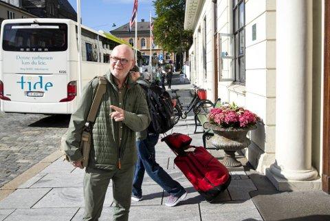 Smittevernoverlege i Bergen, Kjell Haug, avventer tallene som kommer etter helgen, men sier at smittetallene i Bergen er for høye.
