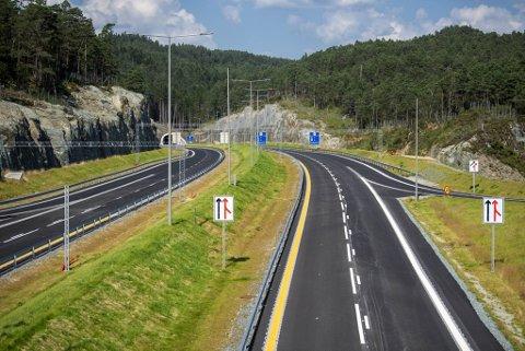 For å finansiere den nye veien mellom Os og Bergen, blir det bomstasjoner på alle veiene som går til Os.