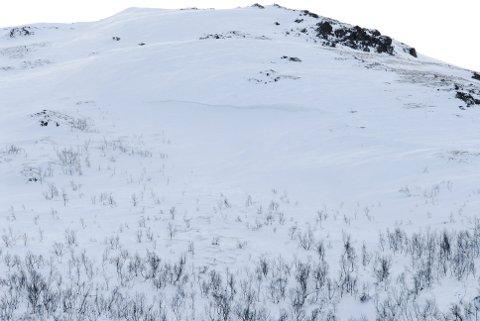 Inn mot helga blir det kaldere, vind med kulings styrke i fjellet. Sterk vind og nysnø danner ferske flak av fokksnø som kan danne snøskred.