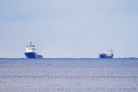 MV Strilborg og Mekhanik Fomin i Hadselfjorden.