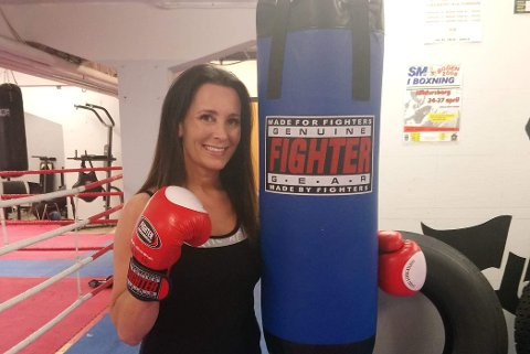 Vera Schnabel (43) har vært i Bodø Bokseklubb i over 20 år og har blant annet to NM-gull. Nå drømmer hun om eget senter.