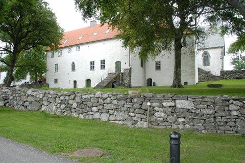 Tirsdag 15. mai starter sommersesongen på Utstein kloster.