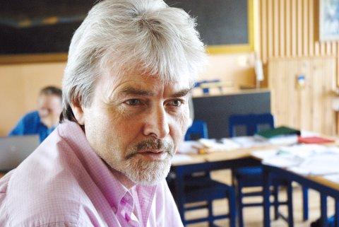 SIKRET STØTTE: Runolv Stegane (V) skriver i en pressemelding at Venstre kommer til å støtte de to Rosthaug-linjene i fylkestinget.