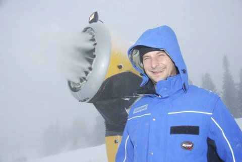Redningen: Det nye snøproduksjonsanlegget hos Norefjell Skisenter ga full uttelling i vinter, men påsken ble enda mer stille enn forventet.  Arkivfoto
