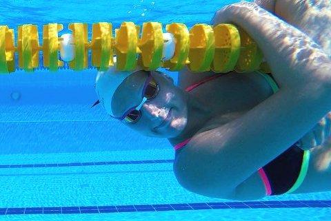 LUKSUS PROBLEM: Det var flere skoler i USA som ga Karina Dybendal Bråthen tilbud om skoleplass og svømmestipend.