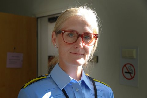 ETTERLYSER VITNER: Politiadvokat Ninne Snarrason etterlyser vitner til en voldshendelse i Hokksund 19. mars.