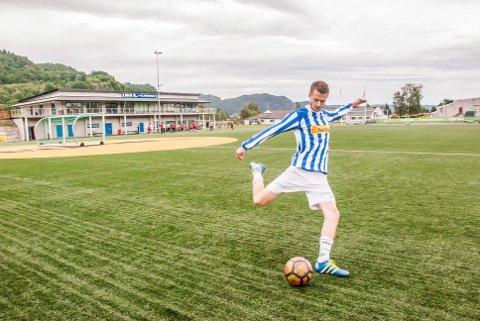 BANKER INN MÅL: Adrian Solli har banket inn mål på bestilling denne sesongen. Onsdag kveld håper han å gjøre det samme mot barndomsklubben Sokndal.