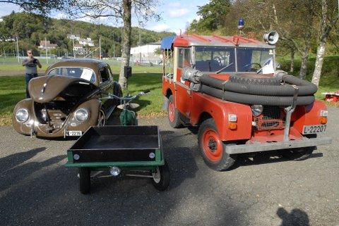 En gammel boble, moped med lastekasse og den gamle Land Rover-brannbilen til Titania var blant godbitene på entusiasttreffet på Haua. Arrangementet inngikk som en del av Kjærlighedsvego.