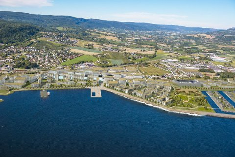 FREMTIDENS MULIGHETER: Arkitektfirmaene ser store muligheter til å lage en helt ny by med eget kommunikasjonssenter på Lierstranda.